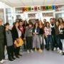 progetto school radio, foto di gruppo, ambiente interno